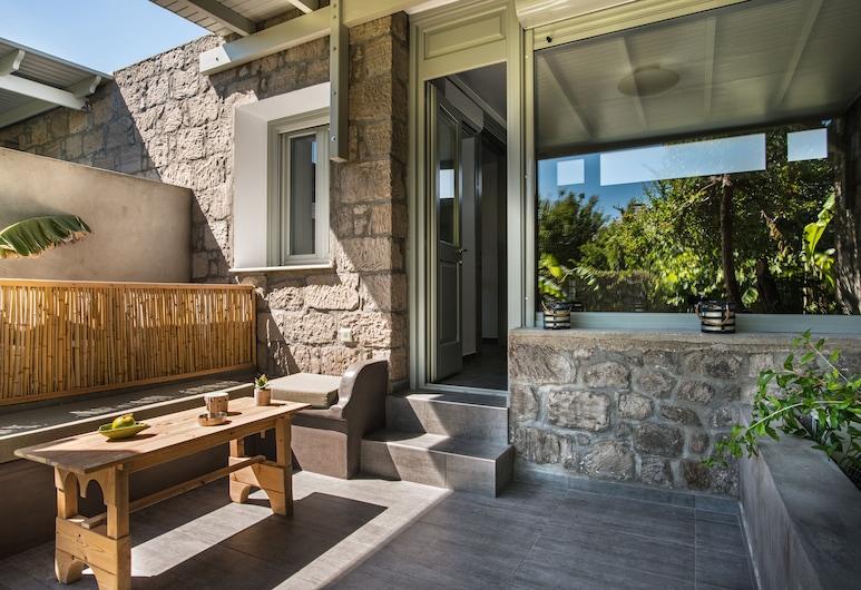 Melagrana, Milos, Luxury Apartment, Terrace/Patio
