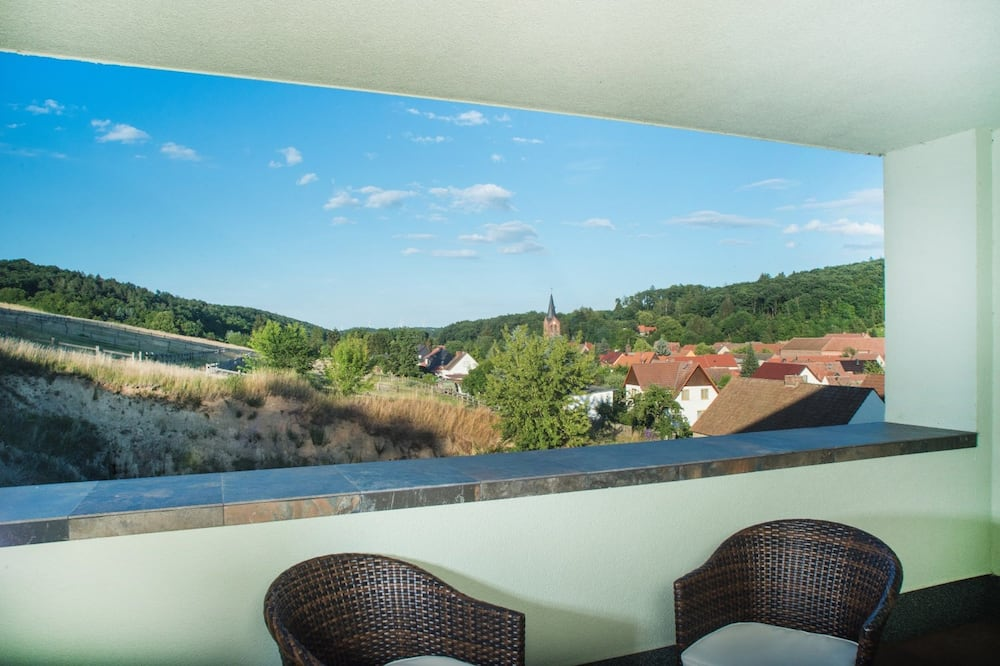 Comfort Twin Room, Hill View - Balcony