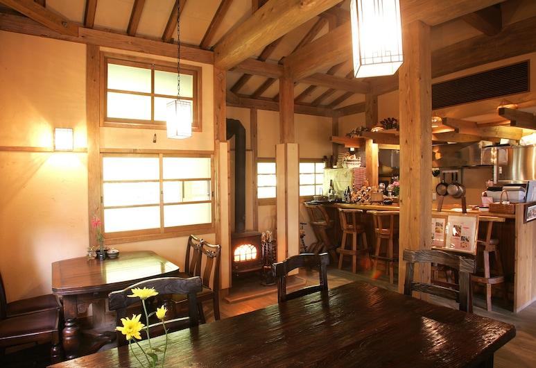 KUROKAWA ONSEN YUMERINDO HANADOMARI, Minamioguni, Reception