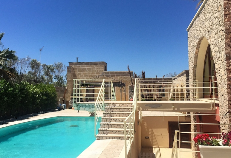 Al KamarTaj, Matino, Outdoor Pool