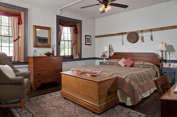 Picture of Colonial Crossroads B&B in Mechanicsburg