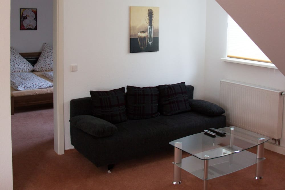 Apartment, 2 Bedrooms (No. 23) - Living Area