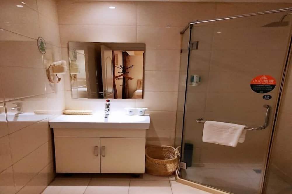 חדר טווין, ללא חלונות - חדר רחצה