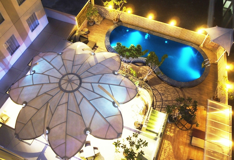 Sapphire Sky Hotel & Conference, Pagedangan, Outdoor Pool