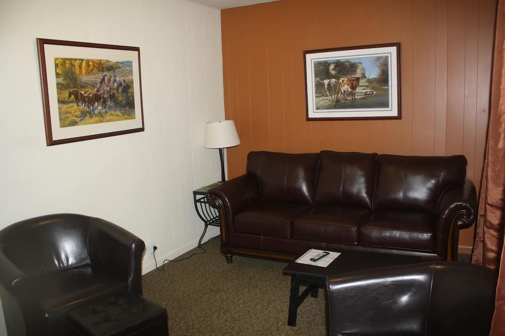Suite Standar, 1 Tempat Tidur King dengan tempat tidur Sofa, non-smoking, lemari es & microwave - Area Keluarga