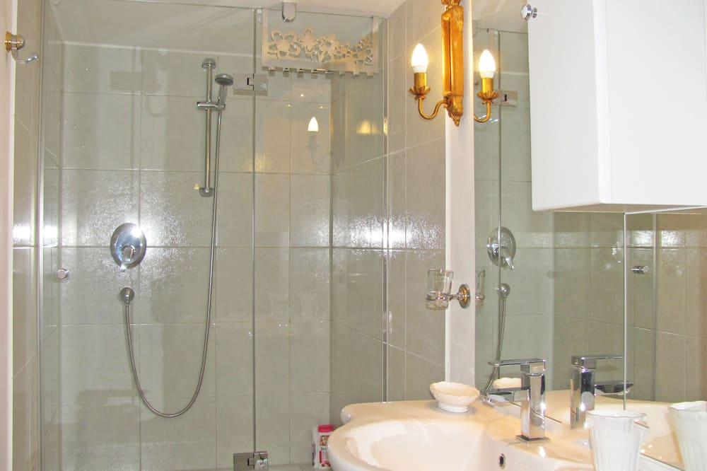 Apartament typu City, prywatna łazienka, widok na miasto (8) - Łazienka