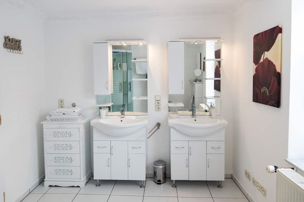 City appartement, privébadkamer (  6) - Badkamer