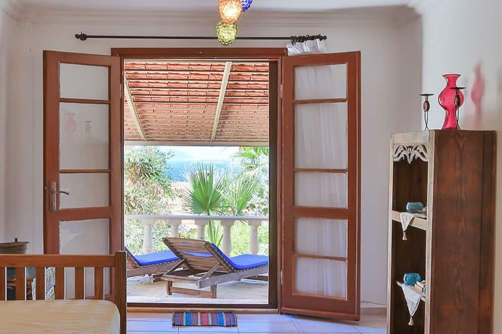 Apartment, Smoking - Ruang Tamu