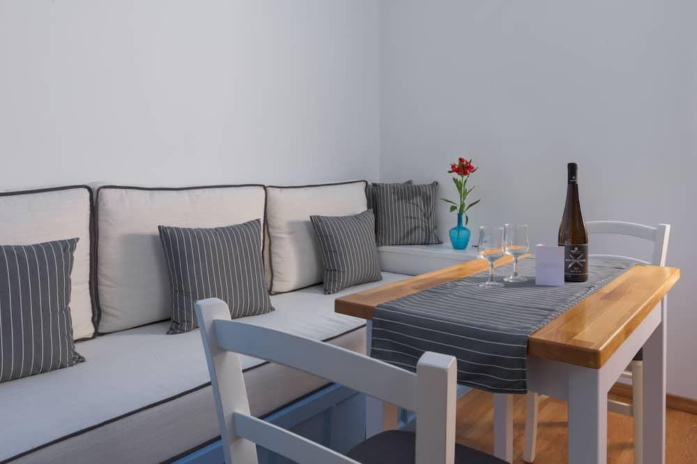 Deluxe Διαμέρισμα, Μπαλκόνι, Θέα στη Θάλασσα - Περιοχή καθιστικού