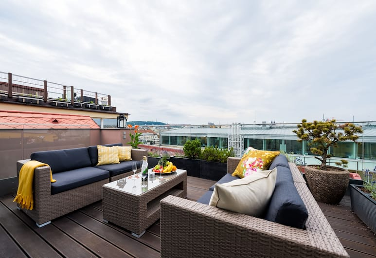 EMPIRENT Grand Central Apartments, Praag, Executive penthouse, 6 slaapkamers, terras, Uitzicht op de stad, Terras