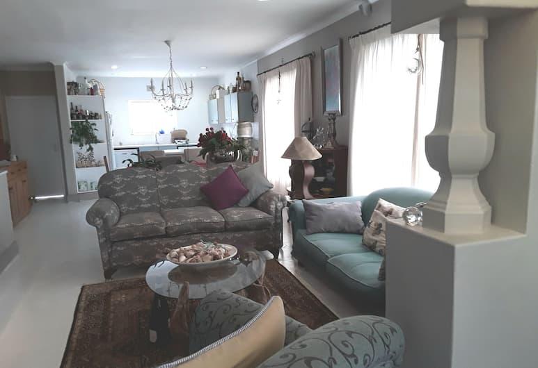 Serendipity Knysna, Knysna, Comfort Apartment, 2 Bedrooms, Patio (WaterwaysTownhouse), Living Area