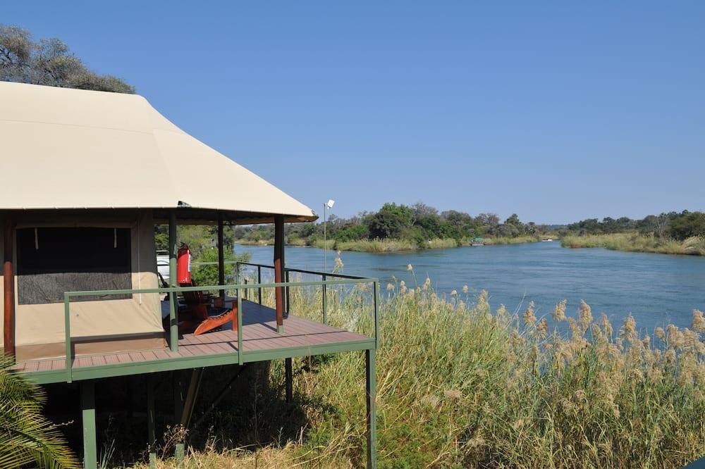 Luxury Tent  - Skats uz ezeru