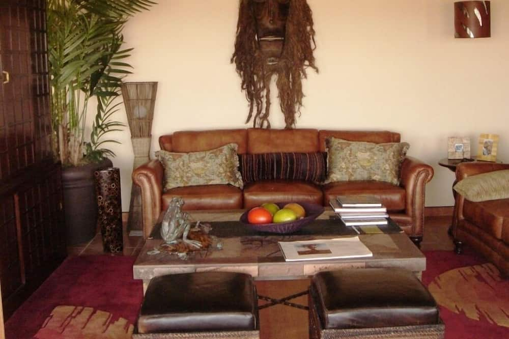 Comfort House, 2 Bedrooms (Babson House Villa) - Living Room