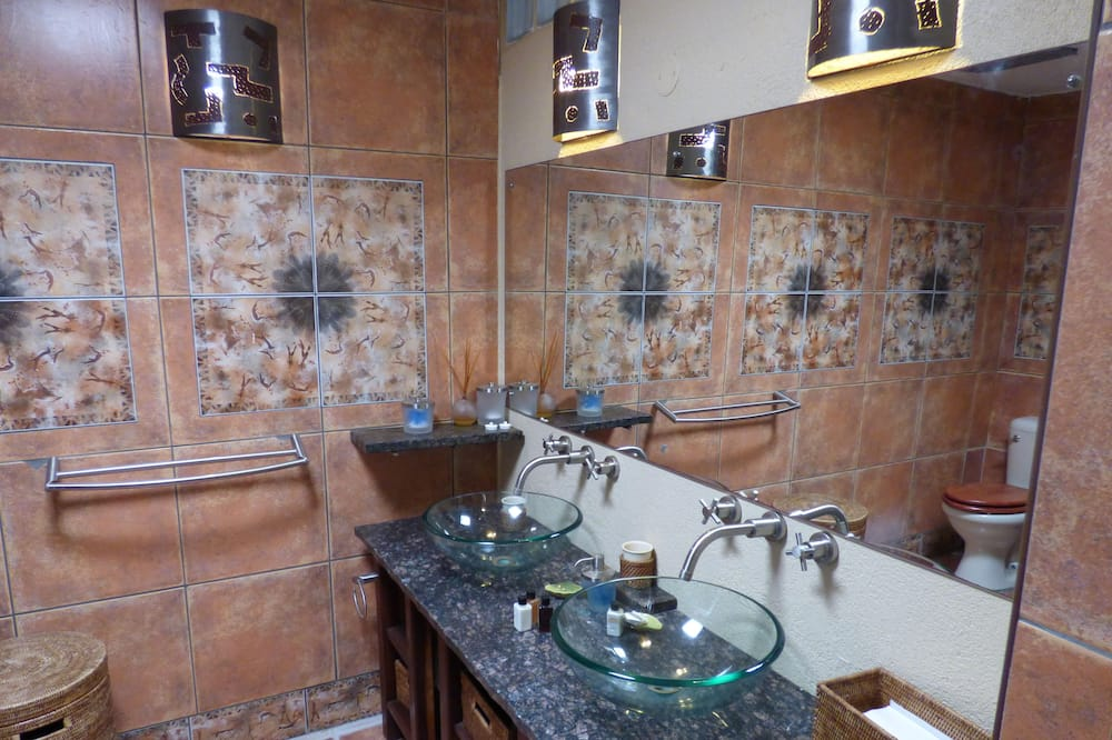 Comfort House, 2 Bedrooms (Babson House Villa) - Bathroom