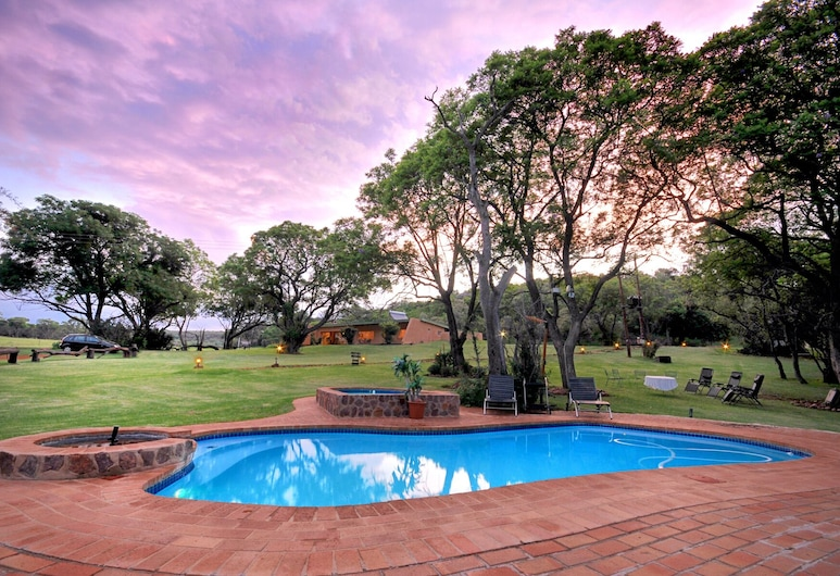 Colin's Horseback Africa, Cullinan, Outdoor Pool