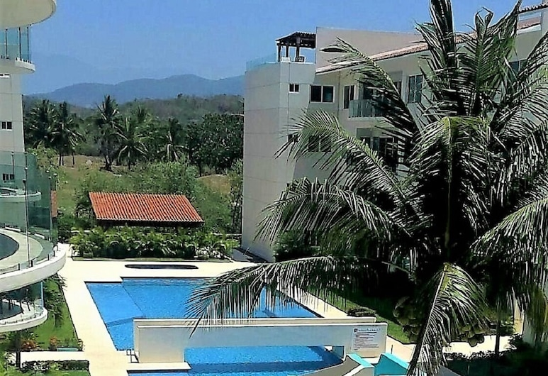 Ocean View Condo On The Golf Course, Ixtapa