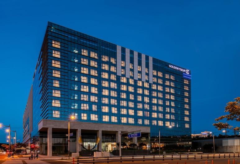 Golden Tulip Incheon Airport Hotel & Suites, Incheon, Otelin Önü - Akşam/Gece