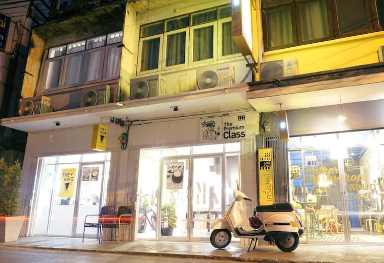 WYH Boutique and Design Hostel, Bangkok, Otelin Önü - Akşam/Gece