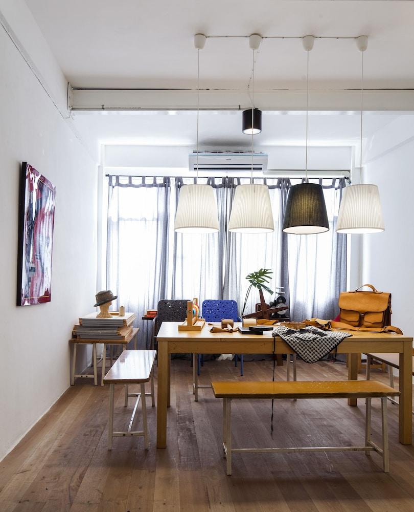 Book WYH Boutique and Design Hostel in Bangkok | Hotels.com