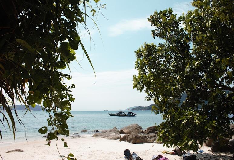 Island Smiles Homestay, האי שם, חוף ים