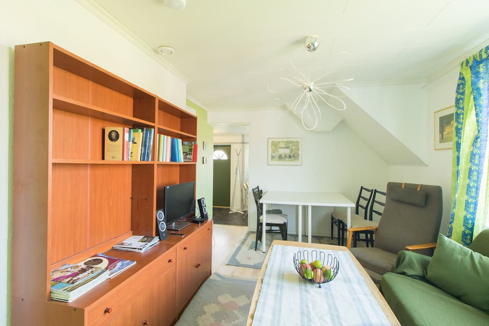 Apartamento Tradicional, 3 Quartos, Cozinha, Jardim - Sala de Estar