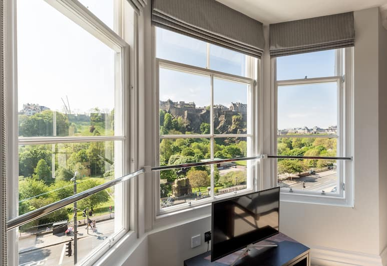 Destiny Scotland Chisholm Hunter Suites, Edinburgh, Lägenhet Superior (Castle View), Rum