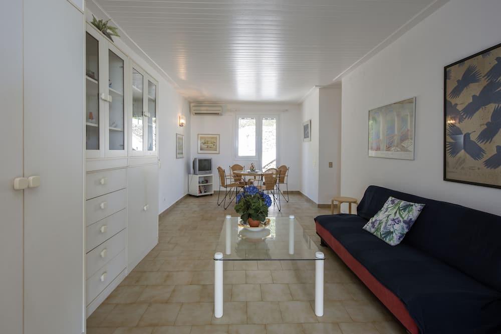 דירה, חדר שינה אחד, נוף לים, פונה לים - סלון