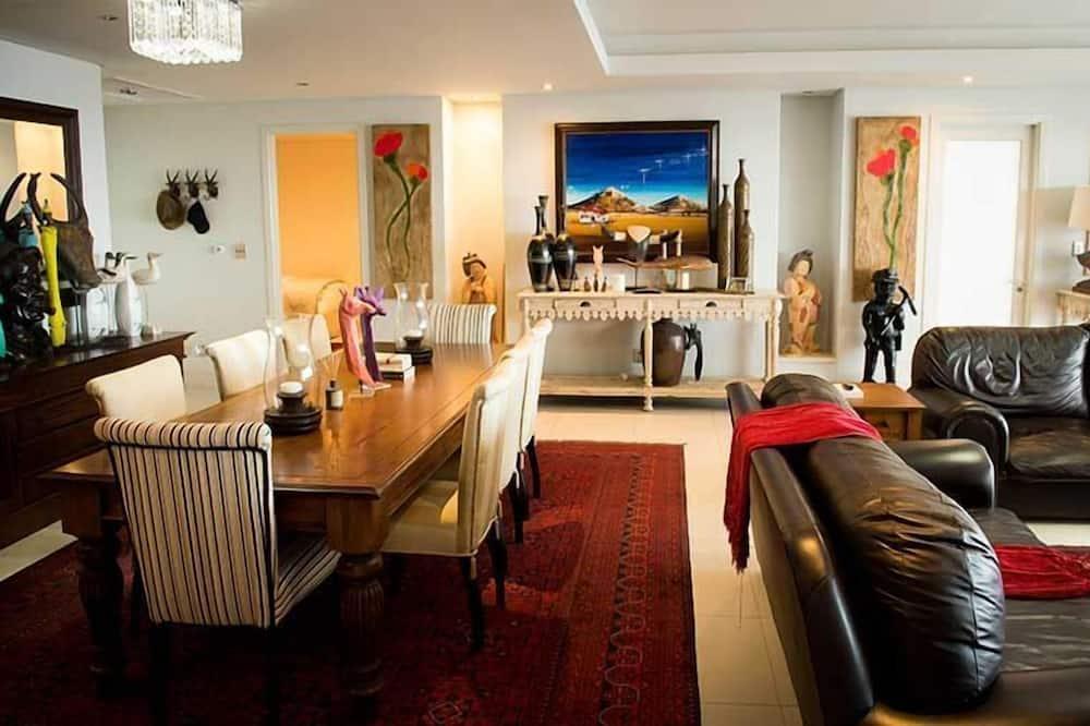 Comfort-Haus, 3Schlafzimmer - Essbereich im Zimmer