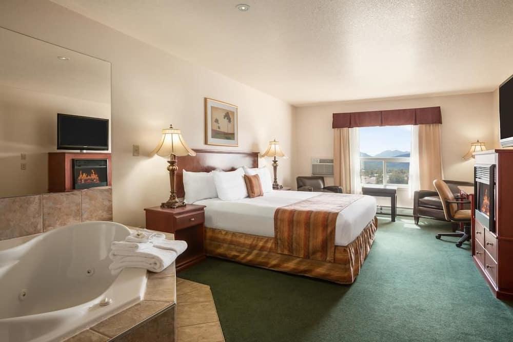 Люкс, 1 двуспальная кровать «Кинг-сайз», гидромассажная ванна - Номер