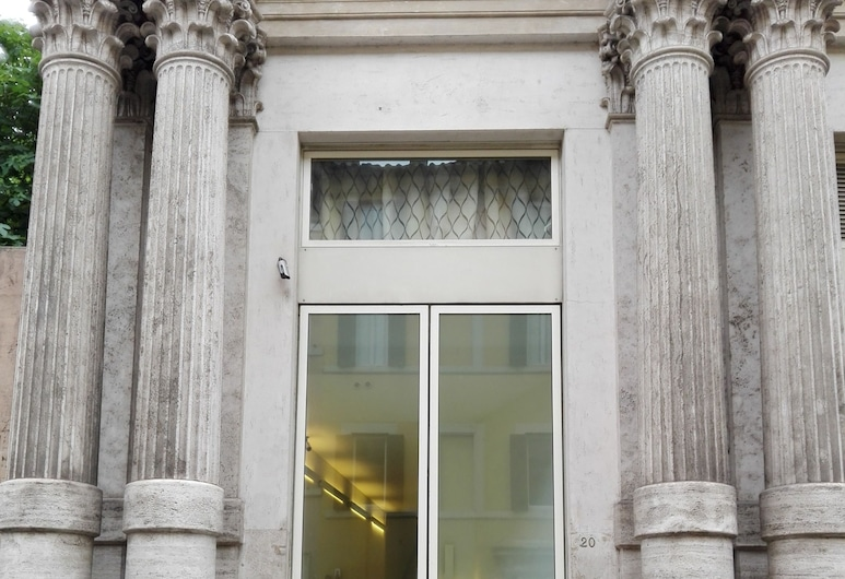 Sistina House Near Piazza di Spagna, Rome, Majoitusliikkeen sisäänkäynti