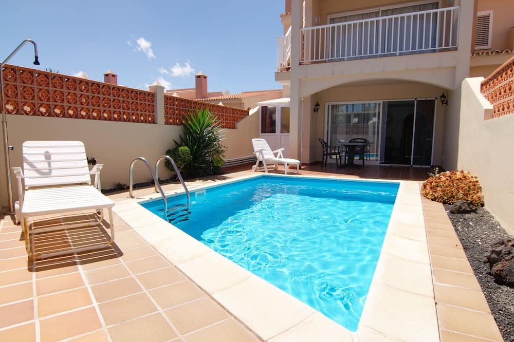 Cosy apartment with private swimming pool in Corralejo