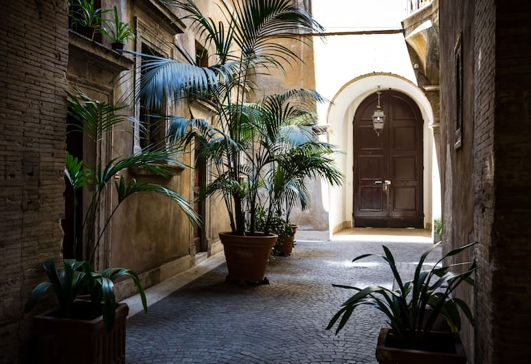 納沃納廣場亞維拉皇宮酒店, 羅馬, 住宿入口