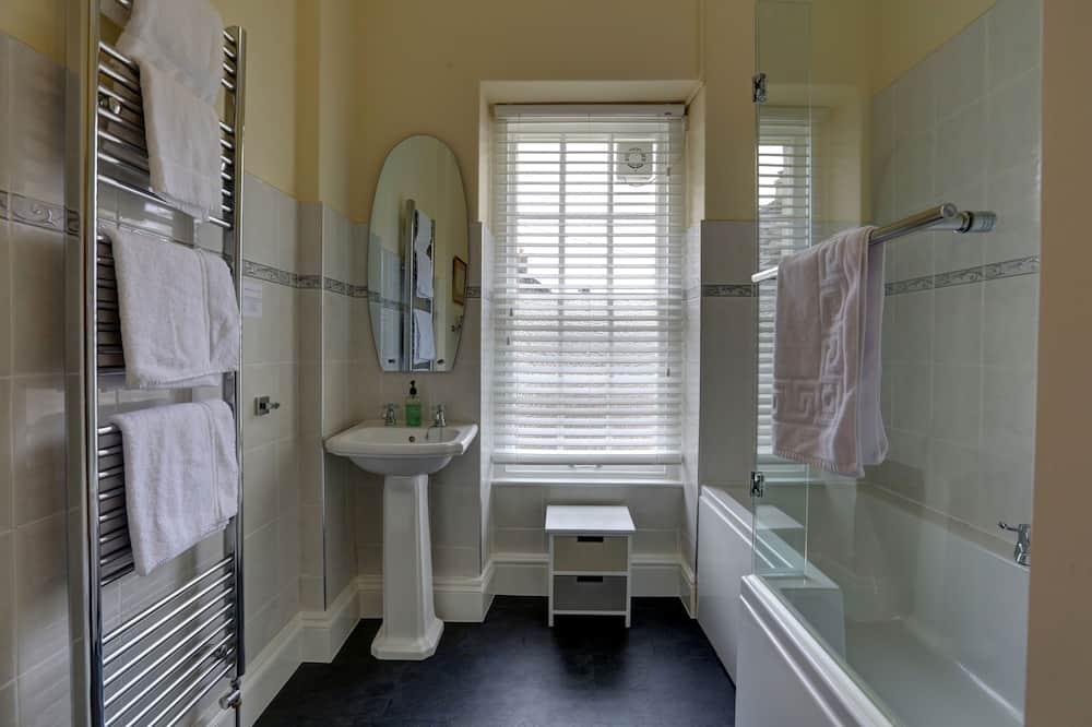 Tek Büyük Yataklı Oda, 1 En Büyük (King) Boy Yatak, Banyolu/Duşlu (Farchnad) - Banyo