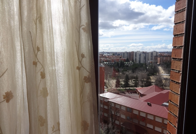 Enjoy Your Stay in Madrid. 3 Bedrooms, มาดริด, ระเบียง