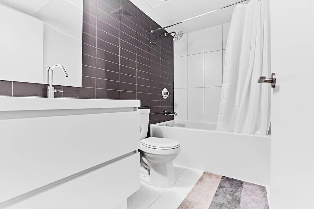 Condo tiện nghi đơn giản, 1 phòng ngủ, Quang cảnh thành phố - Phòng tắm