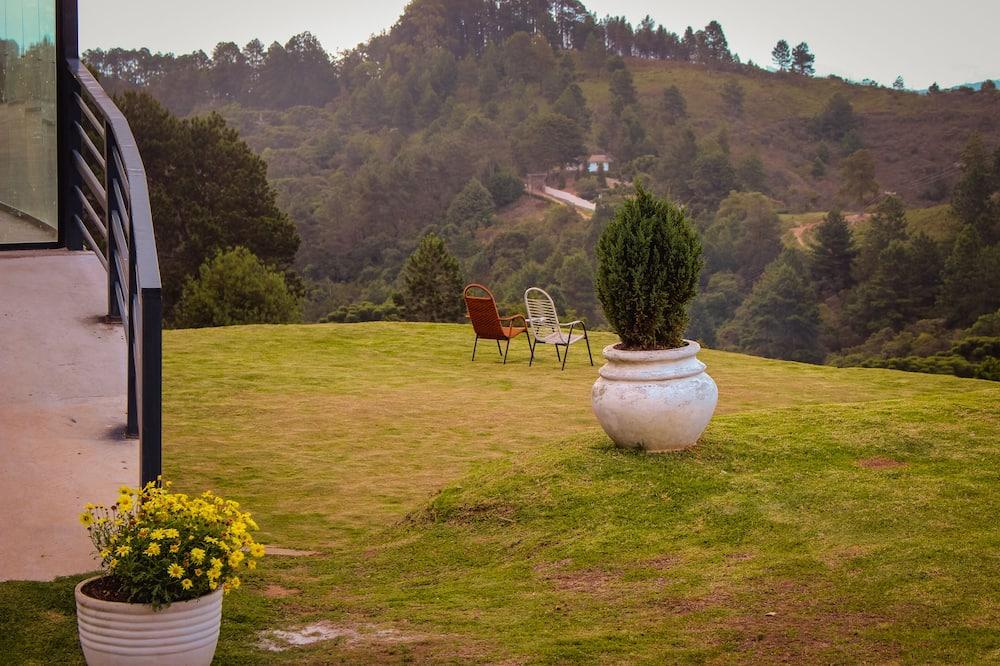 Superior Chalet, 2 Bedrooms, Garden View, Garden Area - Living Area