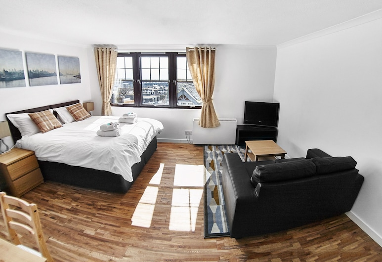 Thistle Apartments - Rose Apartment, Aberdeen, Apartment, 2 Bedrooms, Living Area