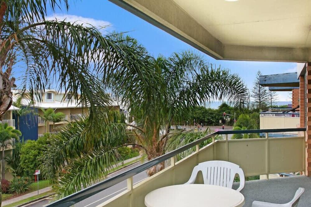 Apt 9 - 2 Bed 1 Bath (Tri-Bunk) - Balcony
