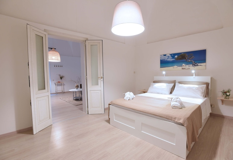 A historic home nestled in the heart of Lecce, Lecce, Room