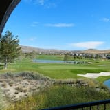 A Spacious Townhome/condo With Spectacular Golf View, 1,599 sf