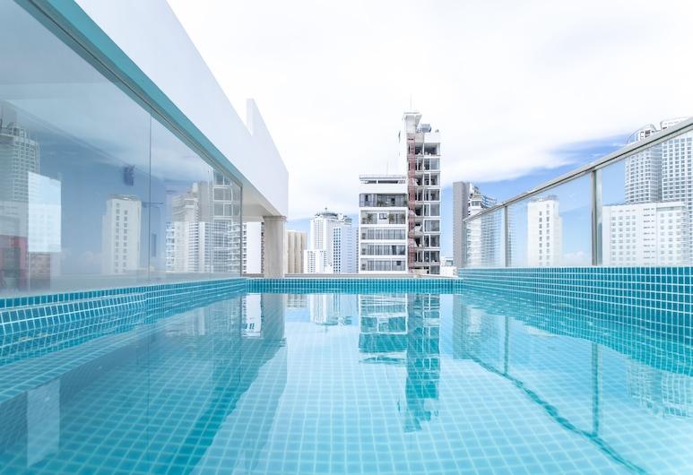 Seven Seas Hotel and Apartment, ญาจาง, สระว่ายน้ำ