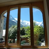 Luxury and modern apartment in downtown Chamonix