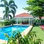 Baan Pea Villa Thalang by Chattha