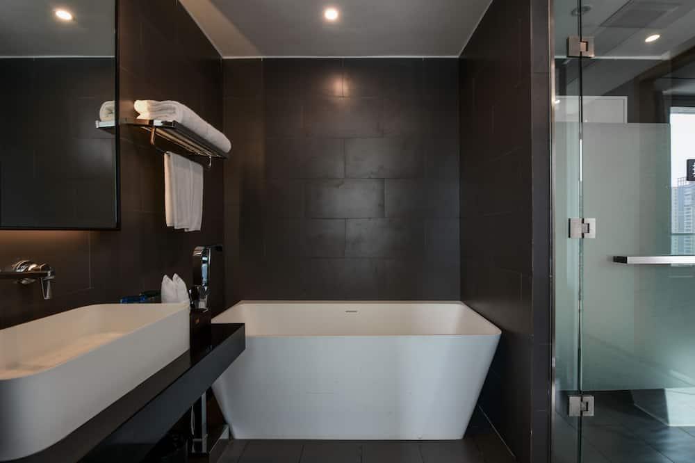 Numeris verslo klientams, 1 labai didelė dvigulė lova - Vonios kambarys