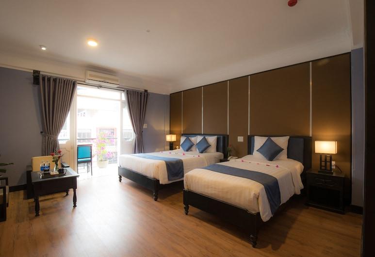 Beaulieu Boutique Hotel, Hue, Family Triple Room, Balcony, Guest Room