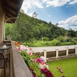 Deluxe Villa, 3 Bedrooms, Mountainside - Balcony