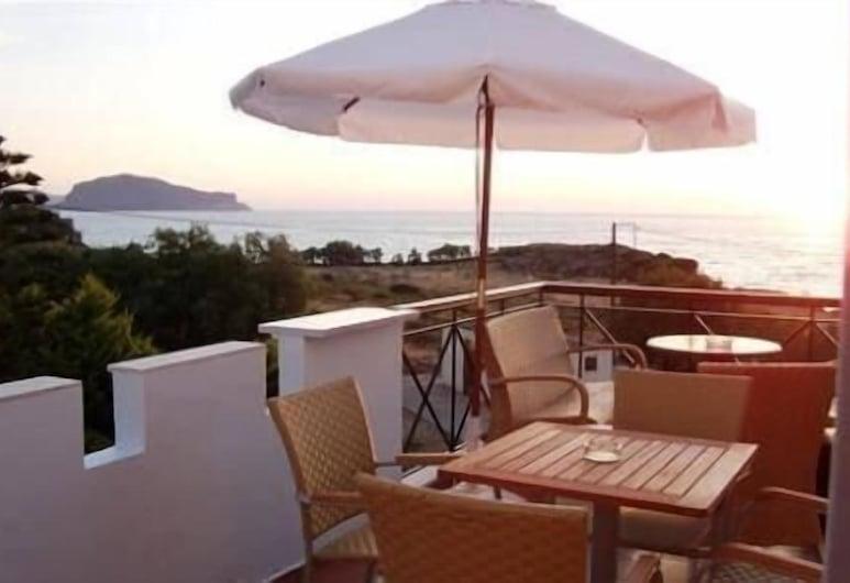 Iris Beach Hotel, Monemvasia, ลานระเบียง/นอกชาน