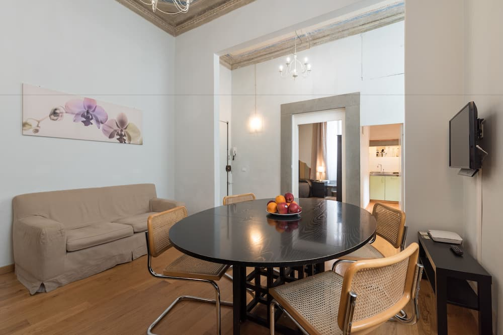 Deluxe Apartment, 3 Bedrooms (Piazza di San Benedetto 3) - Living Room
