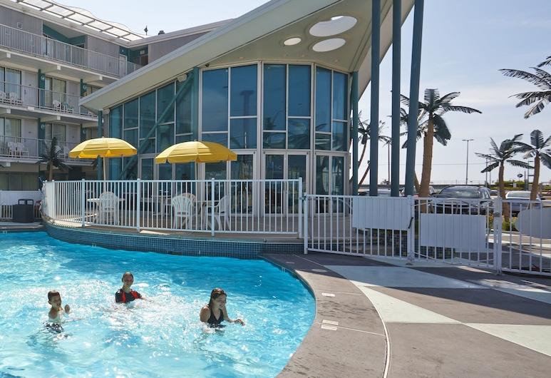 Starlux Hotel, Wildwood, Outdoor Pool