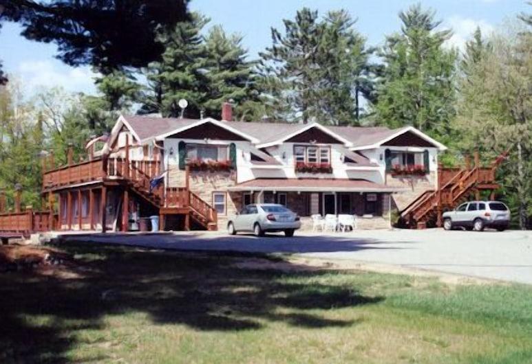 Edgewater Inn & Cottages, Eagle River